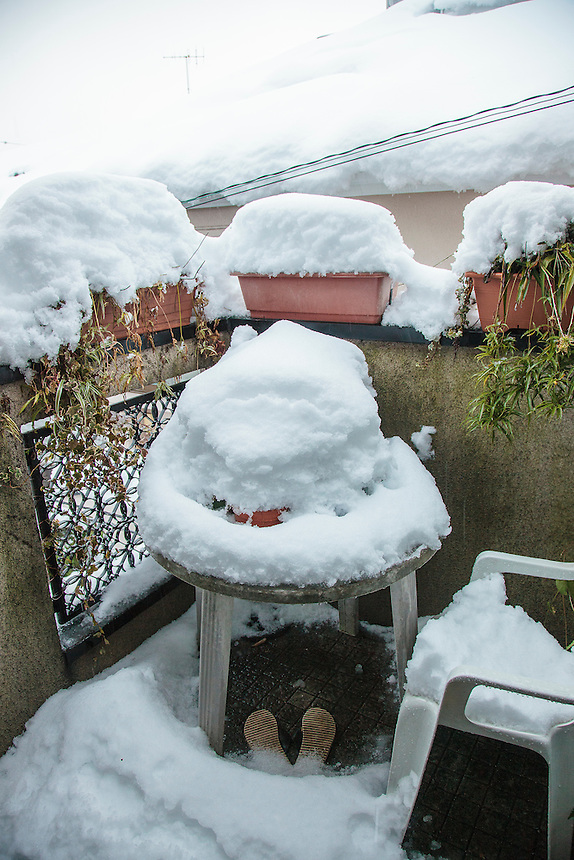 Private balcony covered in Tokyo`s heaviest snow for 46 years.
