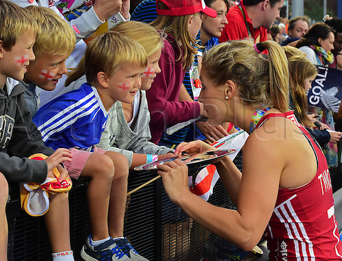 30.08.2015. Lea Valley, London, England. Unibet EuroHockey Championships Day 10. Gold Medal Final. England versus Netherlands. Georgie Twigg (ENG) signs an autograph for a young England fan.