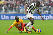 5th November 2017, Allianz Stadium, Turin, Italy; Serie A football, Juventus versus Benevento; Raman Chibsah challenges Blaise Matuidi
