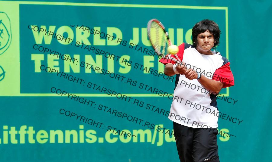 Tenis, World Championship U-14.World U-14 championship.Chile-Russia.Bastian Malla Vs. Alexander Chepelev.Bastian Malla, returns.Prostejov, 05.08.2010..foto: Srdjan Stevanovic/Starsportphoto ©