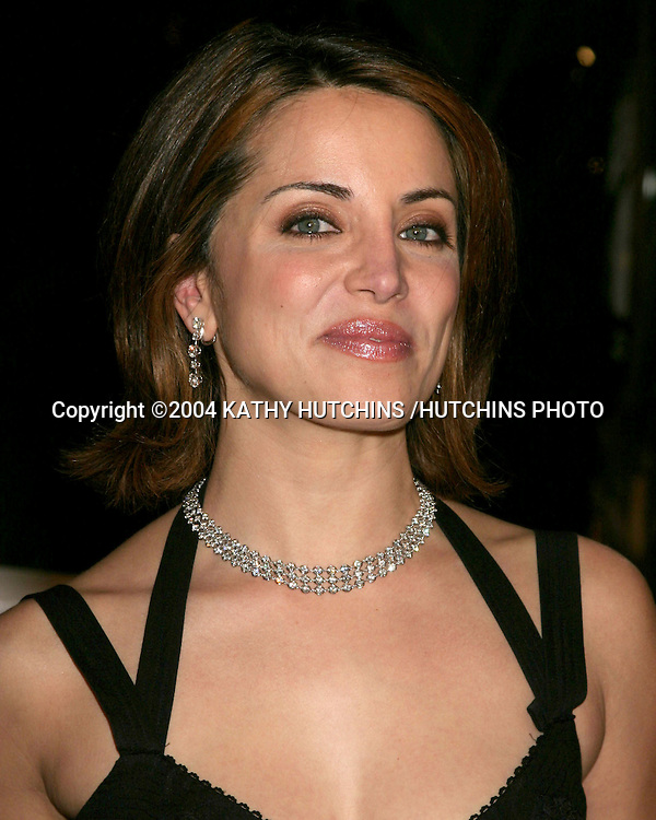 "©2004 KATHY HUTCHINS /HUTCHINS PHOTO.""MEET THE FOCKERS"" PREMIERE.UNIVERSAL CITY, CA.DECEMBER 16, 2004..ALANNA UBACH"