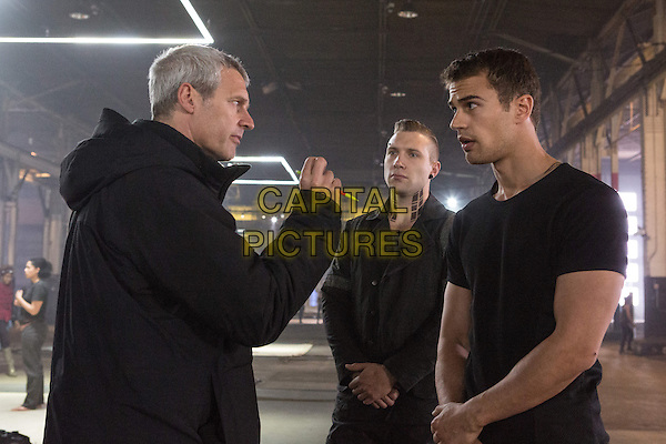 Neil Burger (director), Jai Courtney, Theo James<br /> in Divergent (2014) <br /> *Filmstill - Editorial Use Only*<br /> CAP/NFS<br /> Image supplied by Capital Pictures