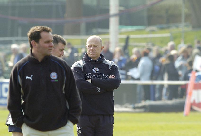 Photo: Jonathan Butler..Bath Rugby v Bristol Rugby. European Challenge Cup. 31/03/2007..Steve Meehan (L) Bath head coach and Richard Hill Bristol head coach before kick off.