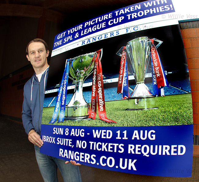 Sasa Papac promotes Rangers trophy pictures