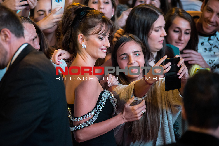 Spanish actress Pen&eacute;lope Cruz attends to the premiere of &quot;Ma Ma&quot; at Capitol Cinemas in Madrid, Spain. September 09, 2015. <br /> Foto &copy; nph / BorjaB.Hojas)
