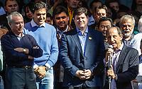 SAO PAULO, SP, 24 JUNHO 2012 - CONVENCAO MUNICIPAL - PMDB -  O presidente da FIESP Paulo Skaf (D) fala ao lado do candidato a prefeitura Gabriel Chalita durante Convencao do PMDB na Praca da Se neste domingo, 24. (FOTO: WILLIAM VOCOV / BRAZIL PHOTO PRESS).