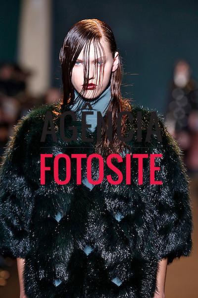 Paris, Franca &ndash; 02/2014 - Desfile de Cedric Charlier durante a Semana de moda de Paris - Inverno 2014. <br /> Foto: FOTOSITE