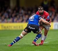 Gloucester Rugby's James Hanson is tackled by Bath Rugby's Elliott Stooke<br /> <br /> Photographer Bob Bradford/CameraSport<br /> <br /> Gallagher Premiership - Bath Rugby v Gloucester Rugby - Saturday September 8th 2018 - The Recreation Ground - Bath<br /> <br /> World Copyright © 2018 CameraSport. All rights reserved. 43 Linden Ave. Countesthorpe. Leicester. England. LE8 5PG - Tel: +44 (0) 116 277 4147 - admin@camerasport.com - www.camerasport.com