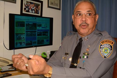 Juan Guzmán Badía, coronel que asume la  vocería de la Policía en Santiago