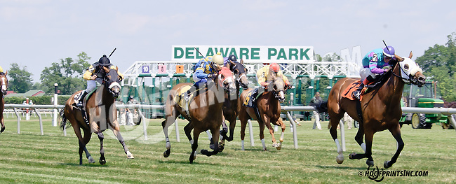 Take It Inside winning at Delaware Park racetrack on 6/28/14