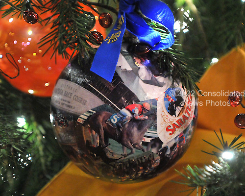 Washington, DC - December 2, 2009 -- Ornament from the State of New York hanging on the White House Christmas Tree in the Blue Room of the White House in Washington, D.C. on Wednesday, December 2, 2009..Credit: Ron Sachs / CNP.(RESTRICTION: NO New York or New Jersey Newspapers or newspapers within a 75 mile radius of New York City)