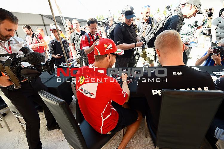 08.06.2017, Circuit Gilles Villeneuve, Montreal, FORMULA 1  GRAND PRIX CANADA, 09. - 11.06.2017 <br /> , im Bild<br />Sebastian Vettel (GER#5), Scuderia Ferrari, Valtteri Bottas (FIN#77), Mercedes AMG Petronas Formula One Team<br /><br /> <br /> Foto &copy; nordphoto / Bratic