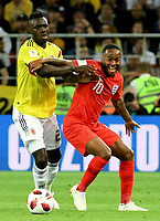 MOSCU - RUSIA, 03-07-2018: Davinson SANCHEZ (Izq) jugador de Colombia disputa el balón con Raheem STERLING (Der) jugador de Inglaterra durante partido de octavos de final por la Copa Mundial de la FIFA Rusia 2018 jugado en el estadio del Spartak en Moscú, Rusia. / Davinson SANCHEZ (L) player of Colombia fights the ball with Raheem STERLING (R) player of England during match of the round of 16 for the FIFA World Cup Russia 2018 played at Spartak stadium in Moscow, Russia. Photo: VizzorImage / Julian Medina / Cont