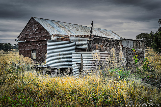 An old abandoned shack in the historic mining town of Grenfell in western NSW, Australia.