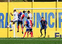 SAO BERNARDO DO CAMPO, SP, 08 Janeiro 2012.Lance durante jogo entre Parana X Noroeste pela Copa Sao Paulo de Juniores 2012. No Estadio Baetao    (FOTO: ADRIANO LIMA - NEWS FREE)