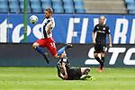 Hamburgs Aaron Hunt und Sandhausens Dennis Diekmeier beim Spiel Hamburger SV gegen den  SV Sandhausen in Hamburg / 280620<br /><br />*** Football - nph00001,  2. Bundesliga: Hamburg SV vs SV Sandhausen, Hamburg, Germany - 28 Jun 2020 ***<br /><br />Only for editorial use. (DFL/DFB REGULATIONS PROHIBIT ANY USE OF PHOTOGRAPHS as IMAGE SEQUENCES and/or QUASI-VIDEO)<br />FOTO: Ibrahim Ot/action press/POOL/nordphoto *** Local Caption *** [4::31065082]