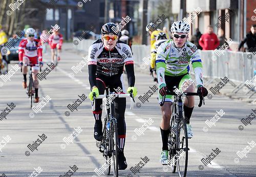 2015-02-28 / Wielrennen / seizoen 2015 / Junioren Rijkevorsel / Bert Verstraelen (l.) met Dries Stappers<br /><br />Foto: Mpics.be