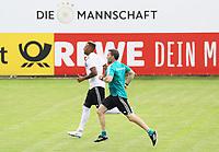 Jerome Boateng (Deutschland Germany) mit Fitnesstrainer Shad Forsythe im Lauftraining - 31.05.2018: Training der Deutschen Nationalmannschaft zur WM-Vorbereitung in der Sportzone Rungg in Eppan/Südtirol