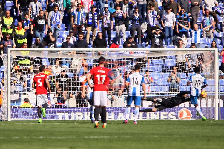 League Santander 2016/2017. Game: 24.<br /> RCD Espanyol vs CA Osasuna: 3-0.<br /> Caicedo vs Sirigu.