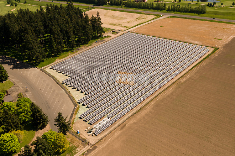 Aerial view of the large Baldock solar array in Aurora, Oregon.