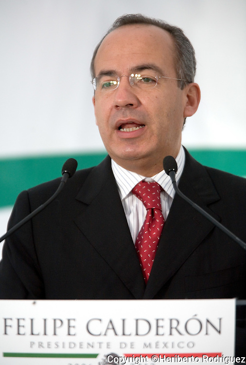 Mexican President-elect Felipe Calderon gives a press conference to foreign media at his campaign office, September 7, 2006. Calderon talked about immigration and energy issues and the relationship with the United States.   © Photo by Heriberto Rodriguez