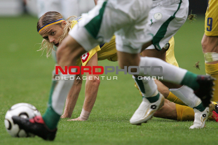 FIFA WM 2006 - Gruppe H ( Group H )<br /> Play #32 (19-Jun) - Saudi Arabia vs Ukraine.<br /> Anatoliy Tymoschuk from Ukraine looks to the ball during the match of the World Cup in Hamburg.<br /> Foto &copy; nordphoto