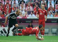 Fussball Bundesliga Saison 2011/2012 3. Spieltag FC Bayern Muenchen - Hamburger SV V.l.: David JAROLIM (HSV), Franck RIBERY und Arjen ROBBEN (FCB).
