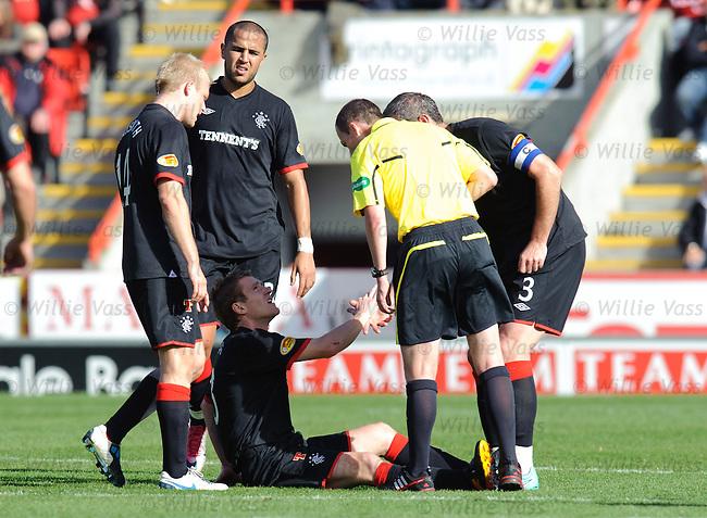 Steven Davis injured
