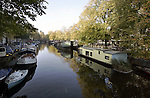 AMSTERDAM - NETHERLANDS - 19 OCTOBER 2004 -- Housboats on the  canal of the Prinsengracht.-- PHOTO:  EUP-IMAGES / JUHA ROININEN