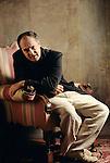 Bernardo Bertolucci, ritratto nella sua camera d'albergo, Firenze, 1995; Bernardo Bertolucci, portrait in his hotel room, Florence,1995