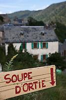 Europe/France/Midi-Pyrénées/65/Hautes-Pyrénées/Aulon: Ferme proposant de la soupe d'ortie dans ce village de la vallée d'Aure