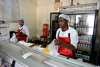 ZAMBIA, Zambeef outlet, selling of meat and milk products / SAMBIA, Zambeef Shop verkauft Fleisch und Milchprodukte