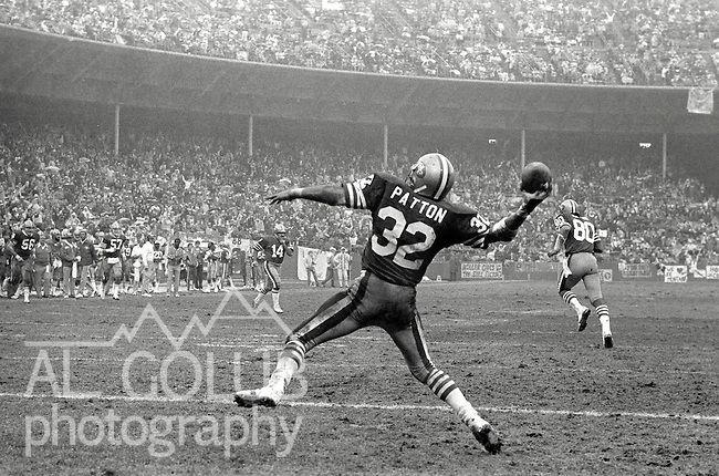 San Francisco 49ers vs. Houston Oilers at Candlestick Park Sunday, December 13. 1981.  49ers beat Oilers 28-6..San Francisco Running Back Ricky Patton (32) Celebrates touchdown...Photo By Al Golub/Golub Photography.