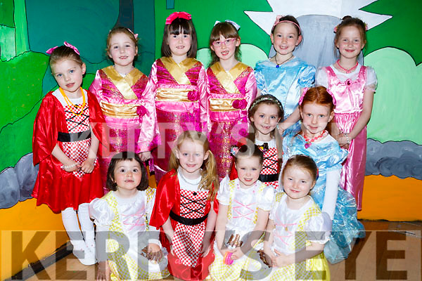 The Munchkins that appeared in The Wizard of Oz in Castleisland on Sunday front row l-r: Ruth Fleming, Chloe Clifford, Roisin Byrnes, Nicky O'Keeffe, Aoibhín Ni Brosnachain, Katie Mangan. Back row: Ellie Kate Sheehy, Claire McElligott, Libby O'Mahony, Danielle Sheehan, Sophia Fleming and Kate O'Neill