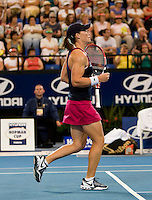 Samantha Stosur (AUS) against Melanie Oudin (USA) in a Group A match of Australia V USA. Stosur beat Oudin 6-2 6-4..International Tennis - Hyundai Hopman Cup XXII - Tues 05 Jan 2010 - Burswood Dome - Perth - Australia ..© Frey, AMN Images, Level 1, Barry House, 20-22 Worple Road, London, SW19 4DH