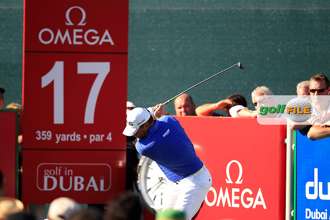 Lee Westwood (ENG) tees off the 17th tee during Sunday's Final Round of the 2013 Omega Dubai Desert Classic held at the Emirates Golf Club, Dubai, 3rd February 2013..Photo Eoin Clarke/www.golffile.ie