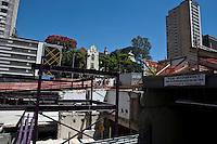 ATENÇÃO EDITOR: FOTO EMBARGADA PARA VEÍCULOS INTERNACIONAIS. - SAO PAULO, SP , 29 DE SETEMBRO DE 2012 - COTIDIANO - PRACA ROOSEVELT REINAUGURACAO- O prefeito Gilberto Kassab (PSD), participou da entrega da parca roosevelt. O local passou por reformas nos últimos dois anos, teve sua estrutura recuperada, ganhou novos espaços abertos. Na foto parte da praça que ainda está em reforma. LOCAL: Praça Roosevelt, Centro de Sao Paulo, SP, FOTO VAGNER CAMPOS/BRAZIL PHOTO PRESS