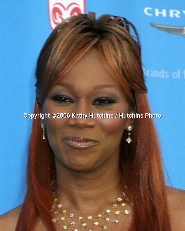 Yolanda Adams.37th NAACP Image Awards.Shrine Auditorium.Los Angeles, CA.February 25, 2006.©2006 Kathy Hutchins / Hutchins Photo....