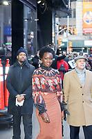 NOVA YORK, EUA, 06.02.2019 - CELEBRIDADES-EUA - Danai Gurira é vista na região da Times Square em Nova York após participar de um programa de televisão nesta quarta-feira, 06. (Foto: Vanessa Carvalho/Brazil Photo Press)
