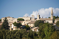 Europe/France/Languedoc-Roussillon/30/Gard / Saint-Maximin: le village