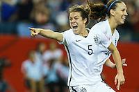 MONTREAL, CANADA, 30.06.2015 - EUA-ALEMANHA - Kelley O Hara dos Estados Unidos comemora seu gol durante partida contra Alemanha, válida pelas semi-finais da Copa do Mundo de Futebol Feminino, no Estádio Olímpico de Montreal, no Canadá, nesta sexta-feira, 30. (Foto: William Volcov/Brazil Photo Press)