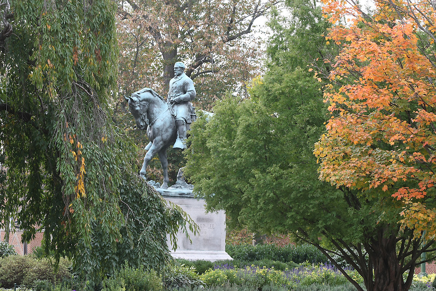 Robert e Lee park honors the general with a statue in Charlottesville, VA. Photo/Andrew Shurtleff