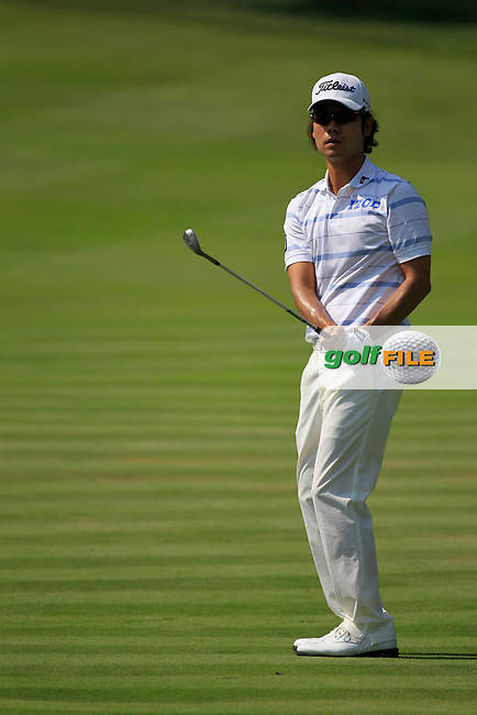 Kevin Na (USA) chips into the 16th green during Thursday's Round 1 of the 2012 World Golf Championship Bridgestone Invitational at The Firestone Country Club, Akron, Ohio, USA 2nd August 2012 (Photo Eoin Clarke/www.golffile.ie)
