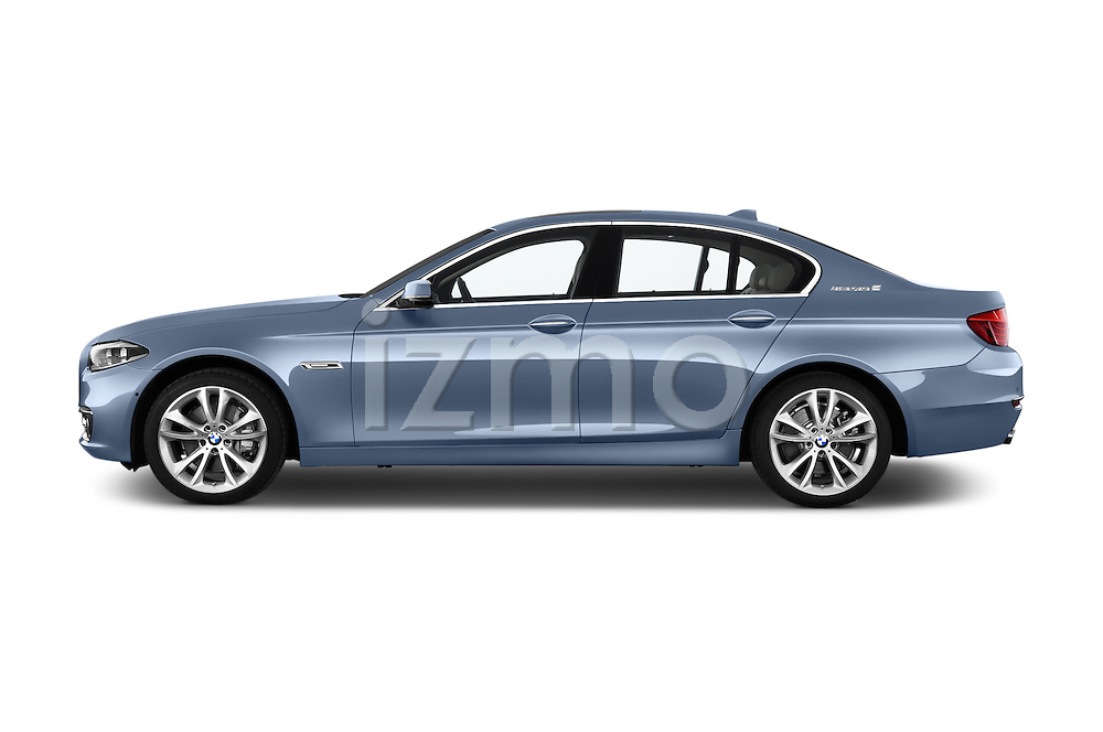 Car Driver side profile view of a 2015 BMW SERIES 5 ActiveHybrid 5 Luxury 4 Door Sedan Side View