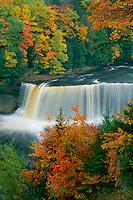 Upper Falls, Tahquamenon River<br /> Tahquamenon Falls State Park<br /> Luce County<br /> Upper Peninsula,  Michigan