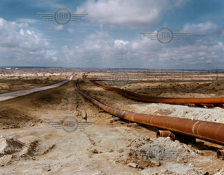 Pipelines transporting oil from the Ouzen field.