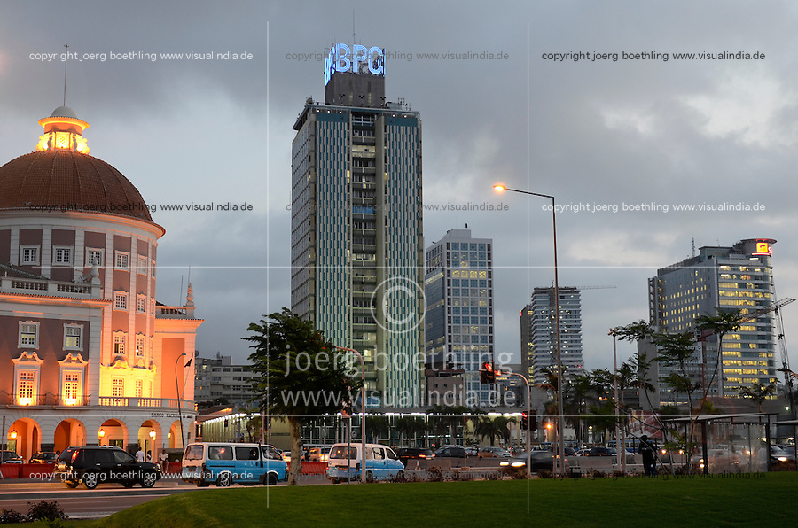 ANGOLA Luanda, National Bank (left) and Sonangol office building, the National Oil Company (right) at sea promenade, due to revenues from oil and diamond exports a construction boom is seen everwhere and the real estate prices are extremely high / ANGOLA Luanda , National Bank und Headquarter SONANGOL, die nationale Erdoelgesellschaft, durch Einnahmen aus Oel und Diamanten Exporten gibt es einen gigantischen Bauboom und Luanda rangiert als einer der teuersten Immobilienplaetze weltweit
