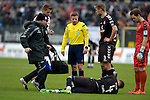 GER - Sandhausen, Germany, March 19: During the 2. Bundesliga soccer match between SV Sandhausen (white) and FC ST. Pauli (grey) on March 19, 2016 at Hardtwaldstadion in Sandhausen, Germany. (Photo by Dirk Markgraf / www.265-images.com) *** Local caption *** Philipp Ziereis #4 of FC St. Pauli receives medical attention