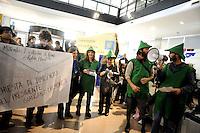 Roma, 11 Novembre 2011.Flash mob del «Forum italiano dei Movimenti per l'Acqua»e del Coordinamento romano Acqua pubblica che hanno occupato simbolicamente la sede di Acea, a piazzale Ostiense.Vestiti da Robin Hood e da abitanti della foresta di Sherwood  chiedono i 200.000 euro che Acea ha versato al comitato per il No