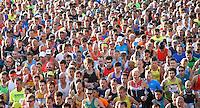 Nederland  Amsterdam  2016 . De start van de Marathon van Amsterdam. Foto Berlinda van Dam / Hollandse Hooogte.